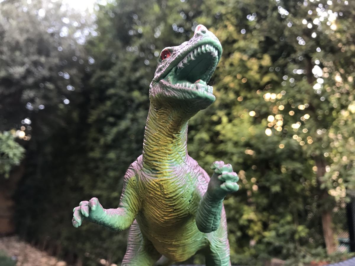 iphone7-pix01-trex
